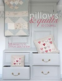 Pillows & Quilts: Quilting Projects to Decorate Your Home!
